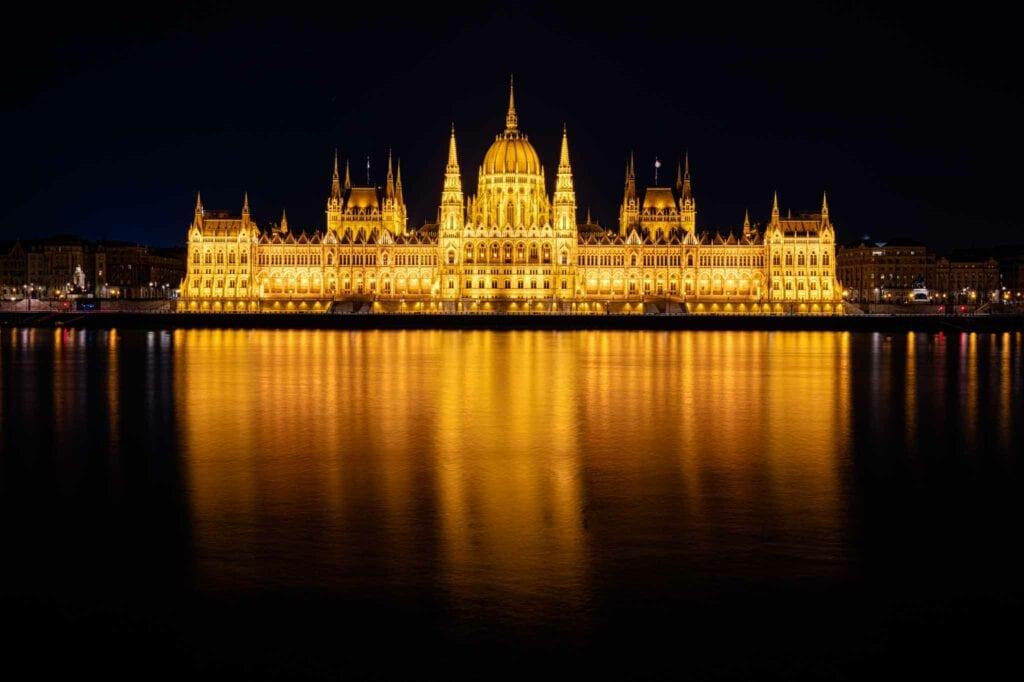 la crosse photographer Budapest parliament