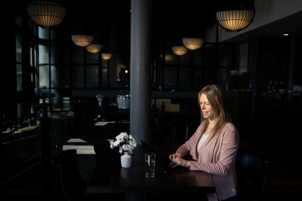 Charmant Hotel businesswoman