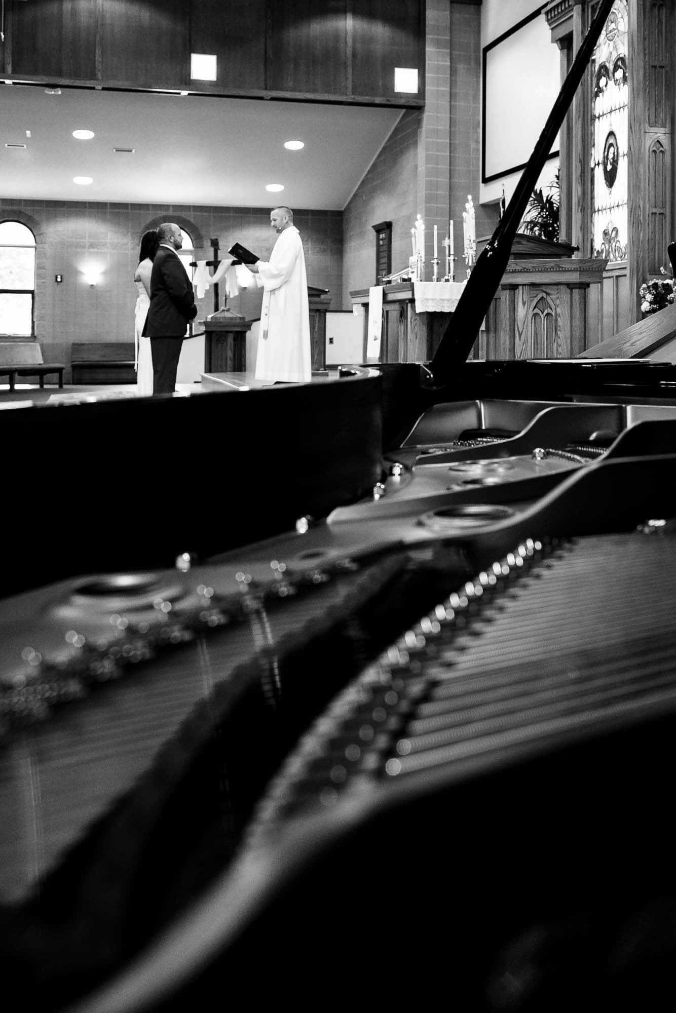 Piano at wedding by La Crosse, WI Photographer Jeff Wiswell
